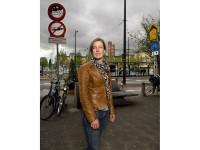 13/15 Danielle van de Koot-Dees, n.a.v. haar (promotie) onderzoek naar: religieuze opvoeding in christelijke gezinnen in een seculier-stedelijke context.