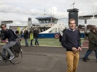 10/15 Tim Vreugdenhil, predikant en ondernemer, n.a.v. zijn plannen in Amsterdam in het Nederlands Dagblad
